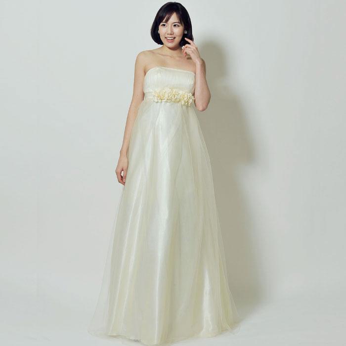 フラワーチュールが可愛い結婚式にピッタリのホワイトロングドレス