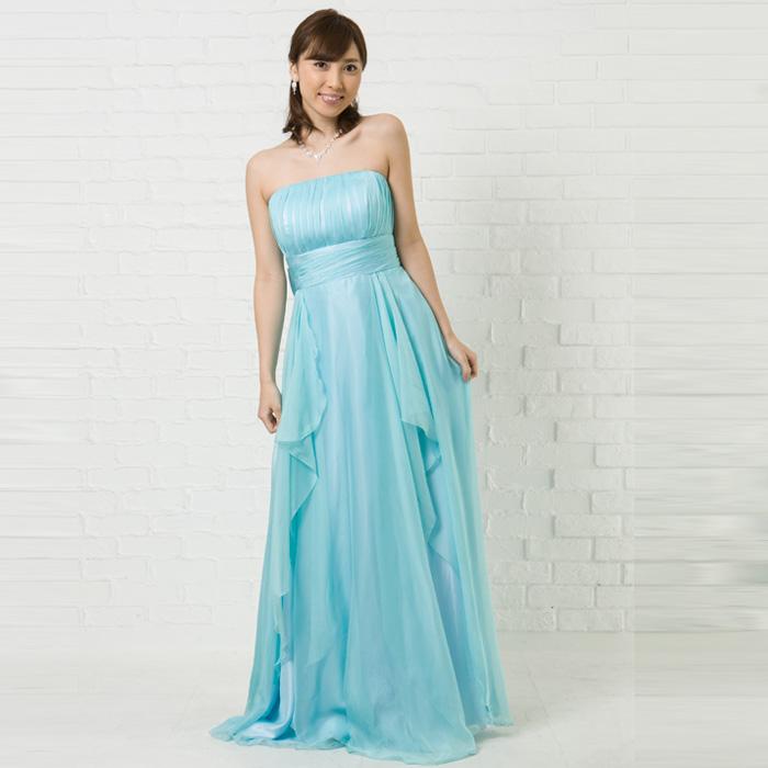 パーティーなどの人が集まる場所に最適の優しいスカイブルーのカラードレス