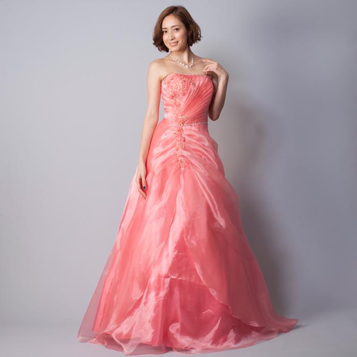 華やかにゴージャスに、二次会や演奏会に最適コーラルカラーのドレス