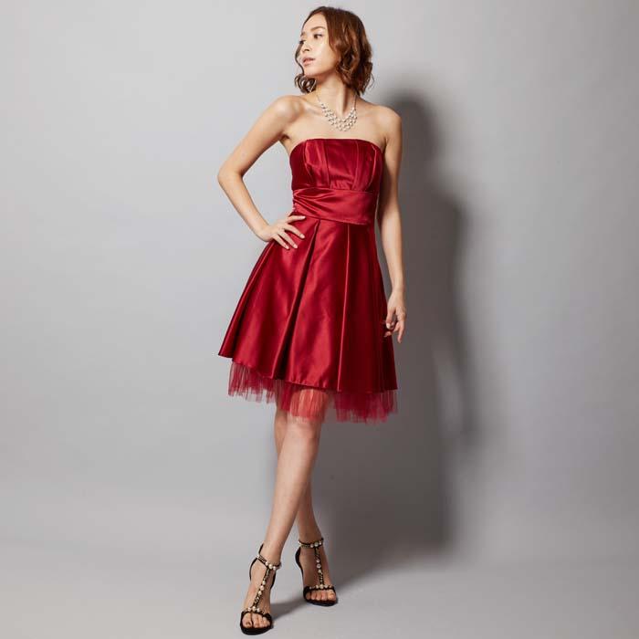 二次会や演奏会で注目のレッドカラーのお呼ばれドレス