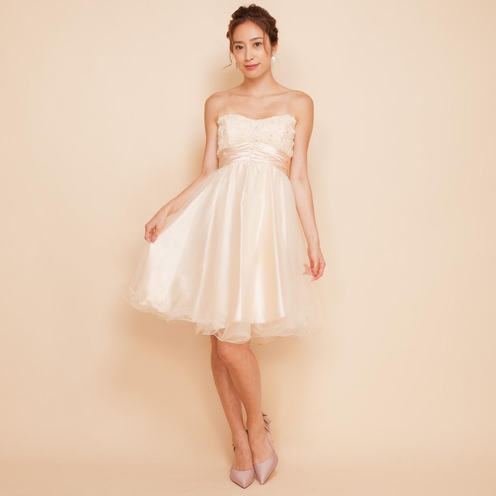 結婚式・ウェディングの二次会衣装に最適なホワイトカラーのショートドレス