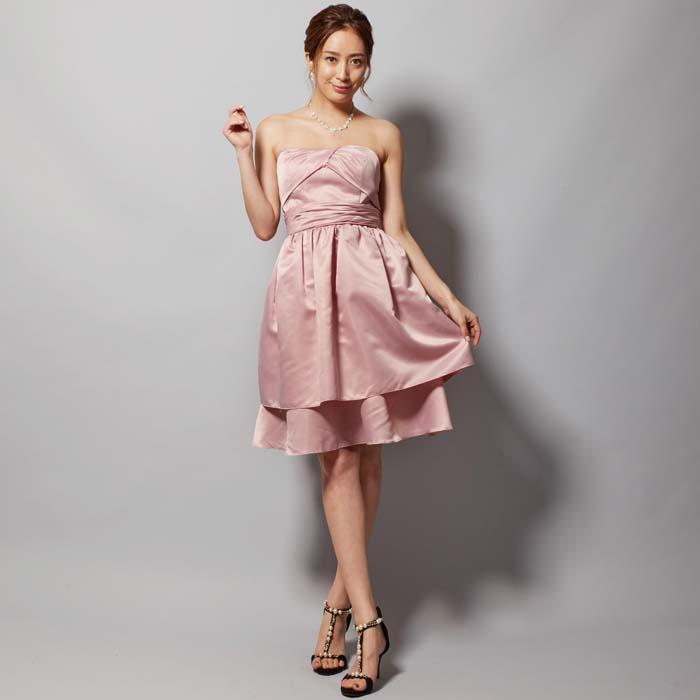 ダスティーローズピンクのクラシックな大人の可愛さを表現できるパーティードレス