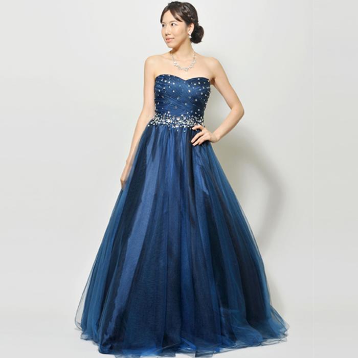 ロイヤルブルーの胸元にビーズをちりばめた、夜空の様なロングドレス