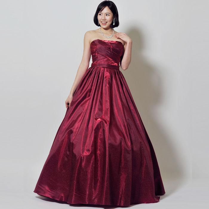 情熱的な大人の印象を感じさせるパープルレッドのカラードレス