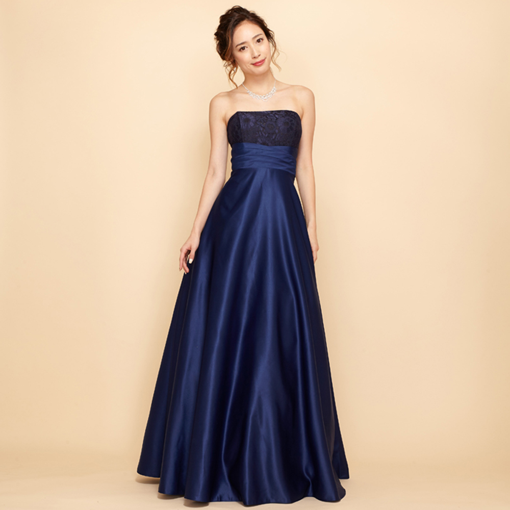 肌馴染みのいいネイビーカラーの高級感あふれる贅沢サテンドレス