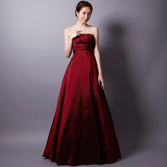 演奏会や二次会で大人の女性の魅力を引き出すワインカラーのドレス