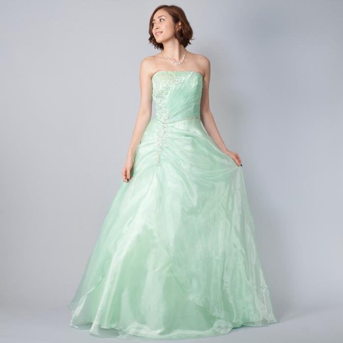 爽やかに演奏会でクールに決めるミントカラーのドレス