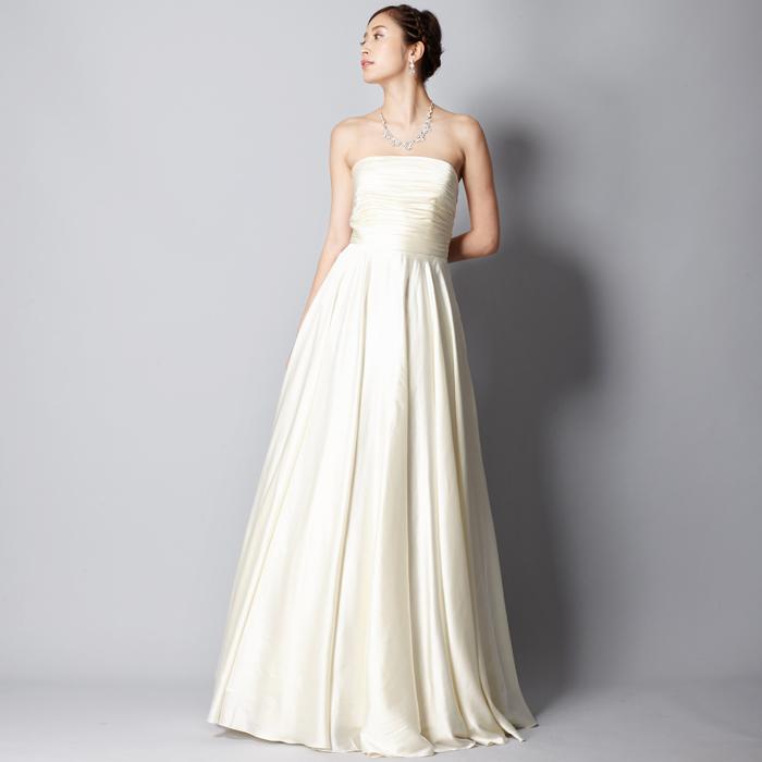 結婚式やパーティーに!細身のシルエットでエレガントなアイボリードレス