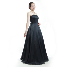 オーケストラや伴奏にも最適なスレンダー黒オーガンジーのコンサートドレス