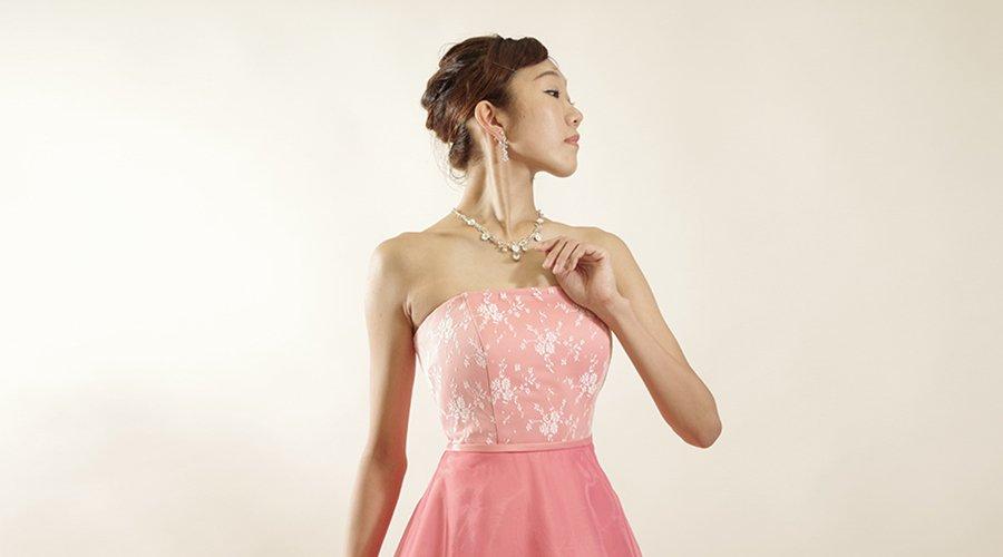 特徴的なデザインの演奏会ドレスを着てコンサートで存在感を出そう